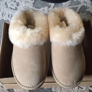 Brand new UGG cluggette US 5